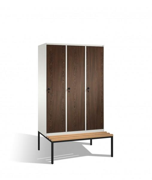 Umkleidespind Evolo mit Sitzbank, 3 Abteile, H2090xB1200xT500/815mm